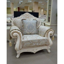 Белое кресло с резьбой Колизей, Китай
