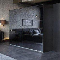 Черный зеркальный шкаф-купе Аква