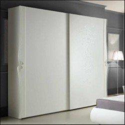 Белый шкаф-купе в спальни Дорис