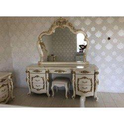 Белый большой резной столик туалетный с золотом Афина
