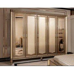 Большой пятидверный шкаф для одежды Бакарат