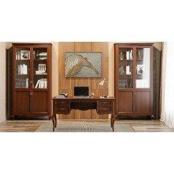 Ореховые витрины в кабинет Селена в классическом стиле