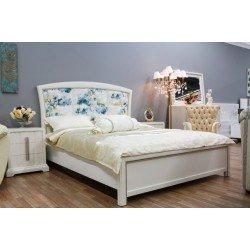 Белая итальянская кровать 1600 с мягким голубым изголовьем Прованс