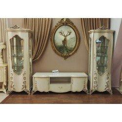 Кремовая стенка в гостиную с золотой патиной Бретань