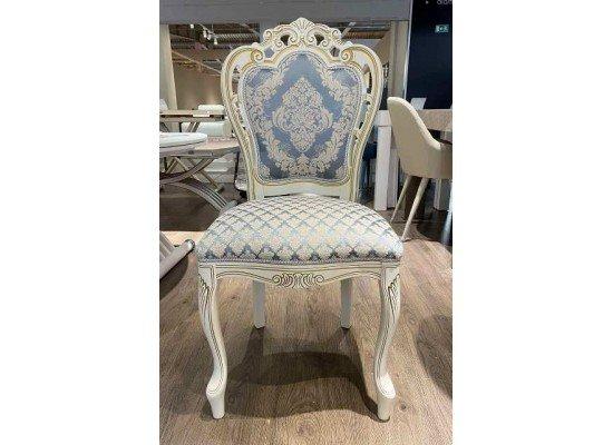 Белый классический стул с короной Кардинал