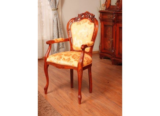 Резной стул с подлокотниками Мара Белла