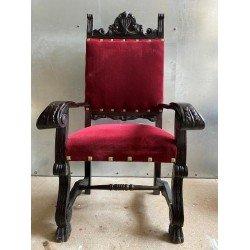 Классическое румынское кресло-трон в красной оббивке Наполеон, Румыния
