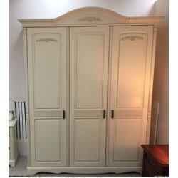 Трехдверный шкаф для спальни Анна в стиле Прованс