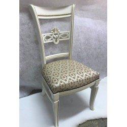 Белый классический стул с резной спинко Ричард