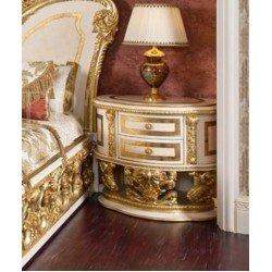 Классическая резная тумбочка прикроватная Битосси в стиле барокко