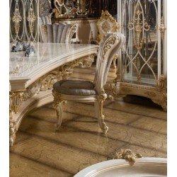Богатый резной стул Пера