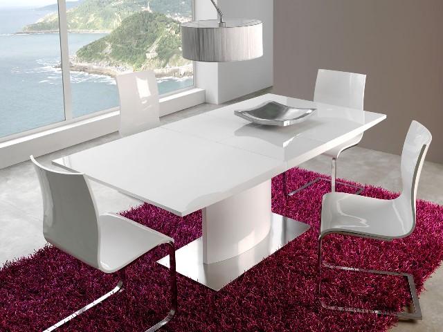 Компактный модерновый стол в маленькую кухню